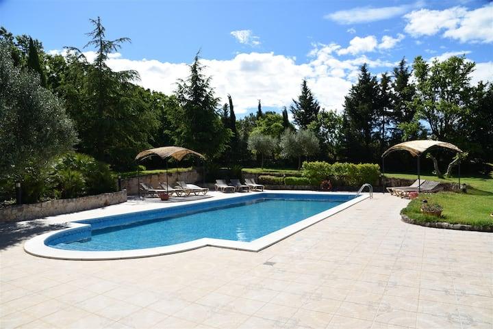 Casa dei Limoni con piscina, jacuzzi WIFI