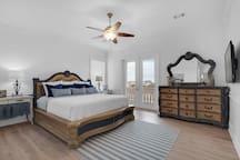 Mojo's 3rd floor, gulfview master suite features estate quality furnishings that have been hand-painted by a local artist.   An artistic, spacious blend of both stateliness and subtlety.