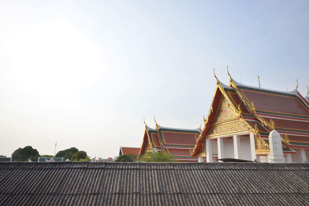 Temple of Wat Prayurawongsawas, the view from the window of chilling area.