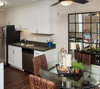 Savor Tranquility at the Waters Edge - #209374 - Foster City - Huoneisto
