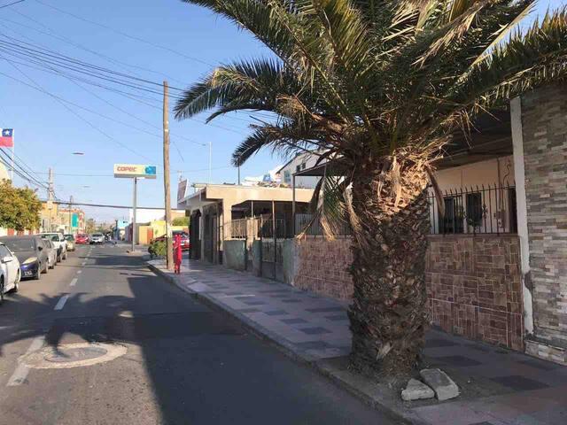 Habitación central con baño privado, Arica