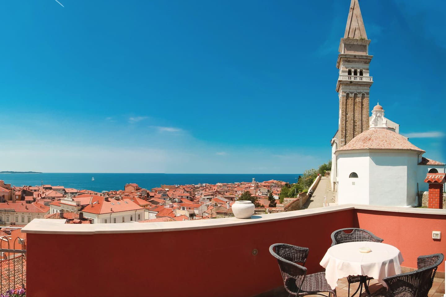 Terrace with sea view (360°) and Piran view
