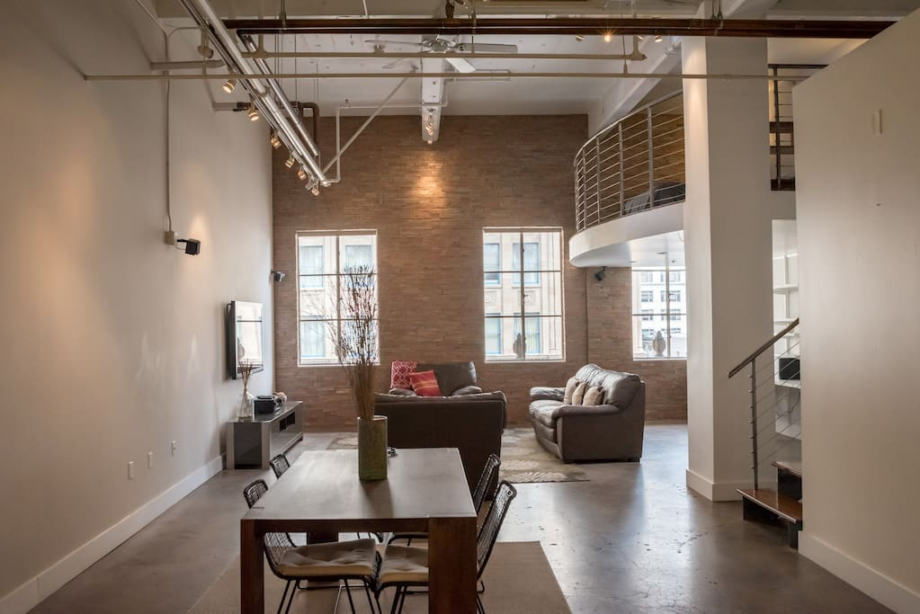 Fantastic 1400sqft gaslamp loft w rooftop lofts for - Loft industriel san diego californie ...