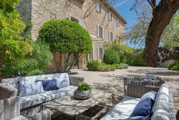 Tres belle maison au coeur d'un village du Luberon