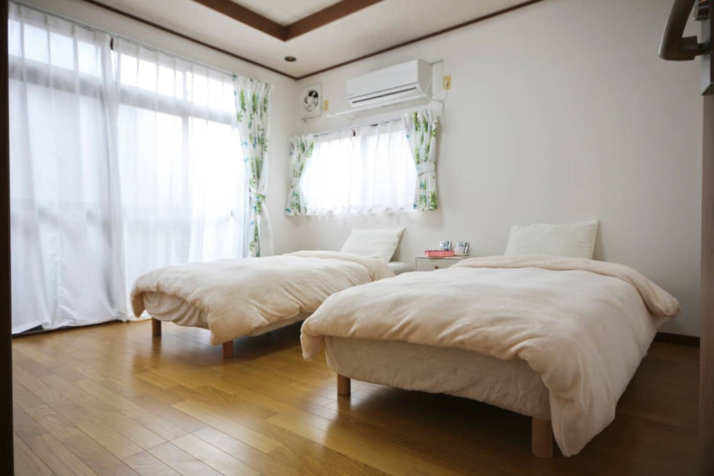 It is a very sunny Western-style room.