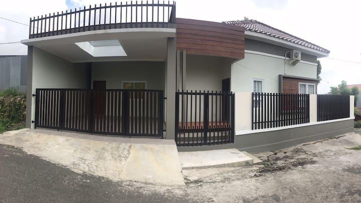 Gunung Bahagia Guesthouse