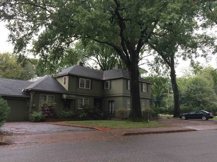 Large Charming 5 BR Midtown Home -Sleeps  up to 14