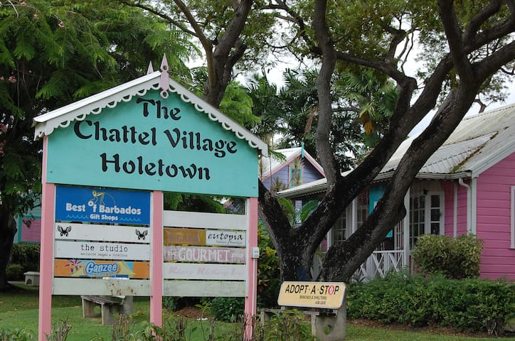 Chattel Village for souvenirs