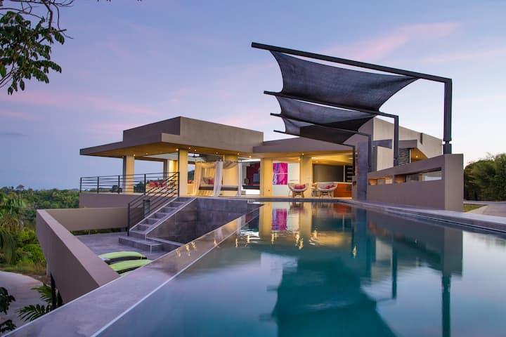 Secluded Breathtaking Los 3B's Luxury Villa