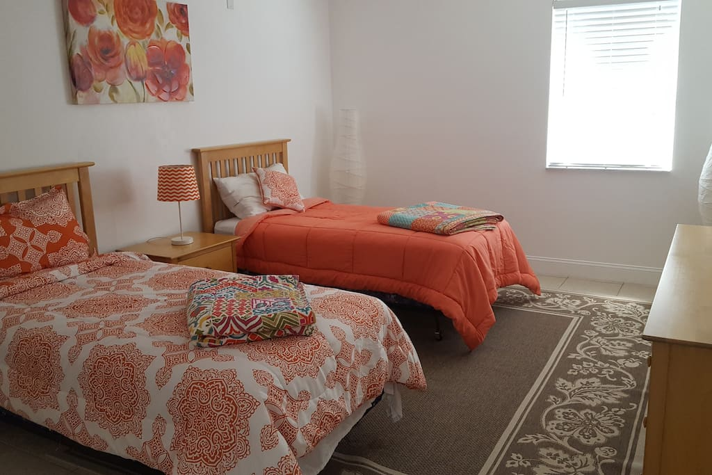 Bedroom #2 with Twin Beds