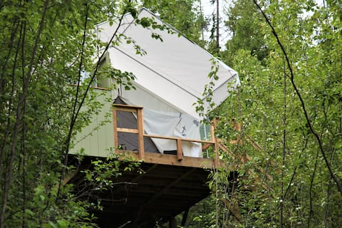 Perch, a Canvas Cottage with Lake Access