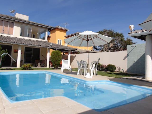 Casa gostosa 3 suítes piscina perto da praia - Catu de Abrantes - Casa
