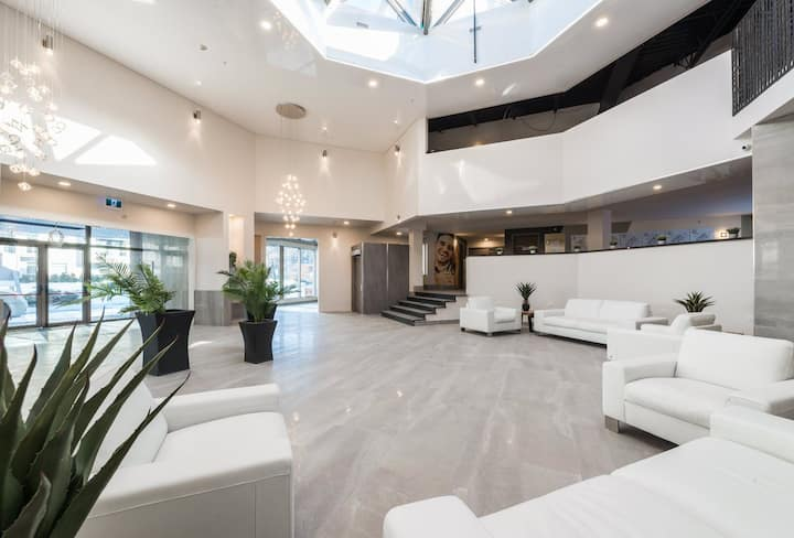 Beautiful 💎 large condo in the st-Laurent area ⭐️