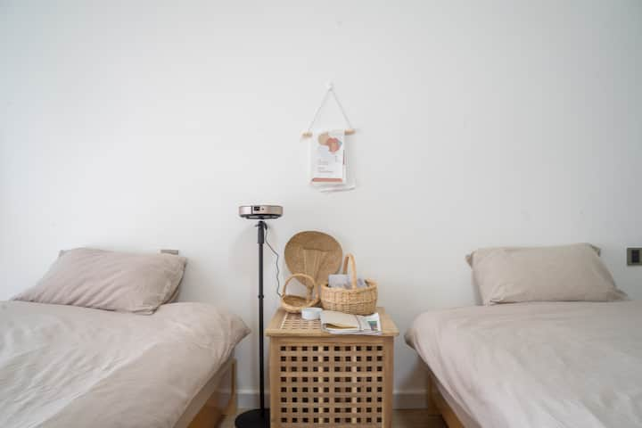【SeaYoo】R1 保利金町湾海景 巨幕投影 日式双床房