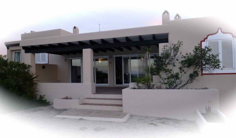 "Casa en Formentera, en playa ""Els Valencians"" - Formentera - Ferienunterkunft"