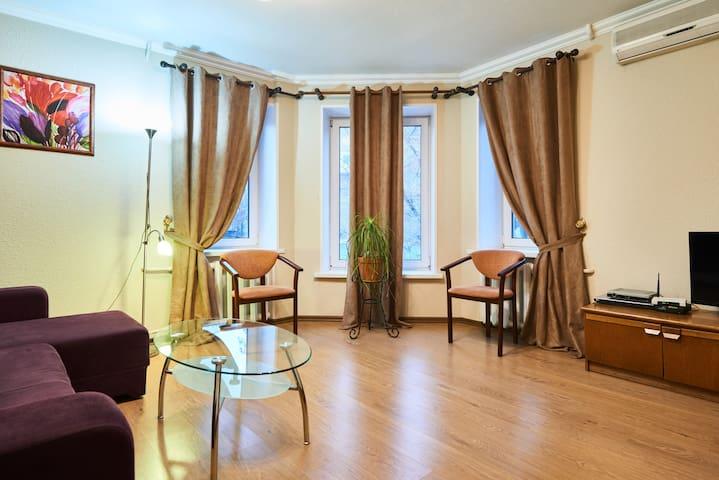 ул. Нижний Вал, 41, Подол (2-комн) - Kíev - Pis