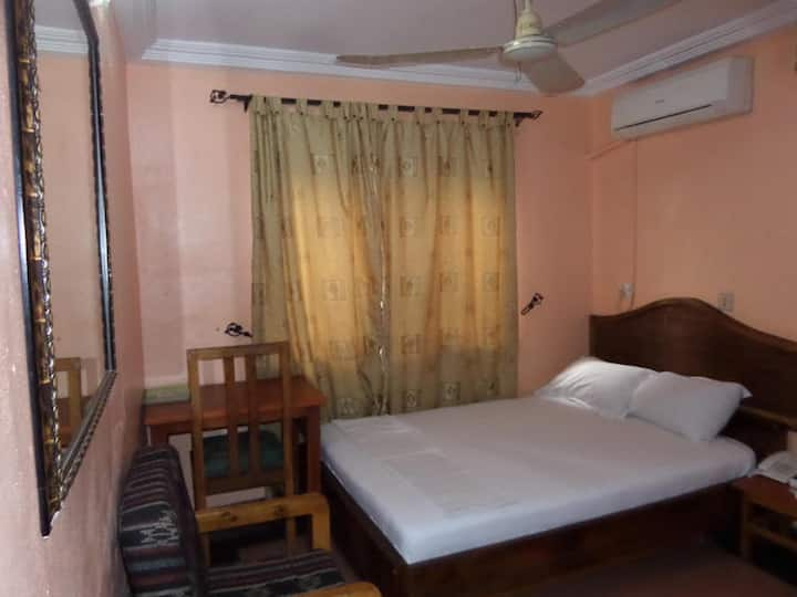 Metro Apartment - Standard Room