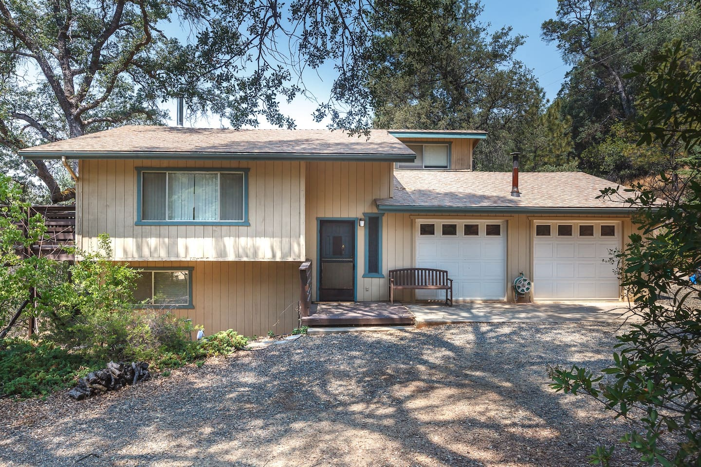 Lovely home very close to Highway 140 year round Highway into Yosemite National Park