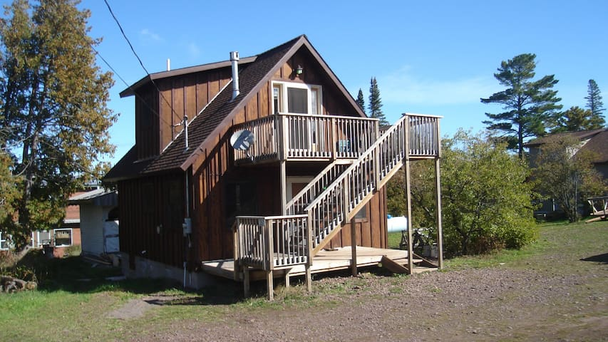 Deluxe Keweenaw Adventure Chalet / Upstairs