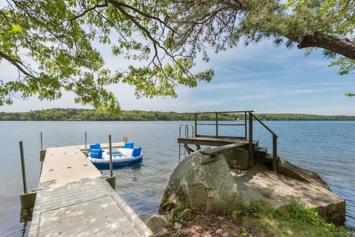 Modern Lakefront Vacation Home with Dock & Views! - Plymouth - Dom