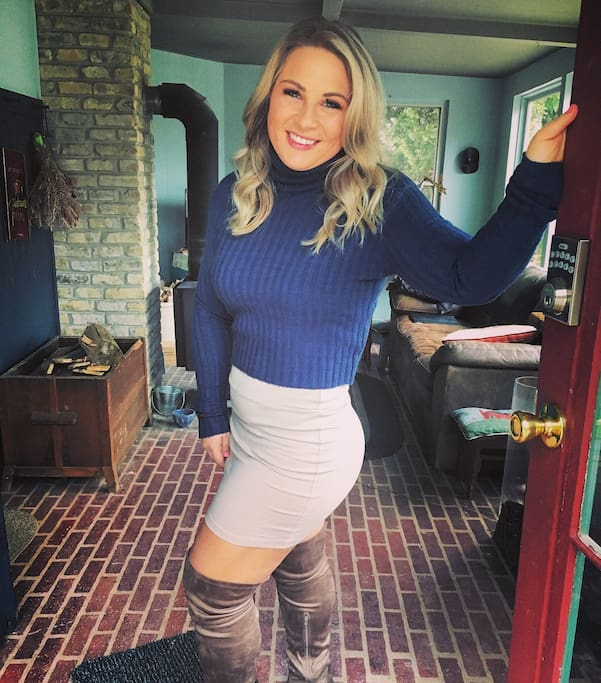 As your superhost for over two years Ashley has over 150+ reviews. All walks of life are welcome in our home.