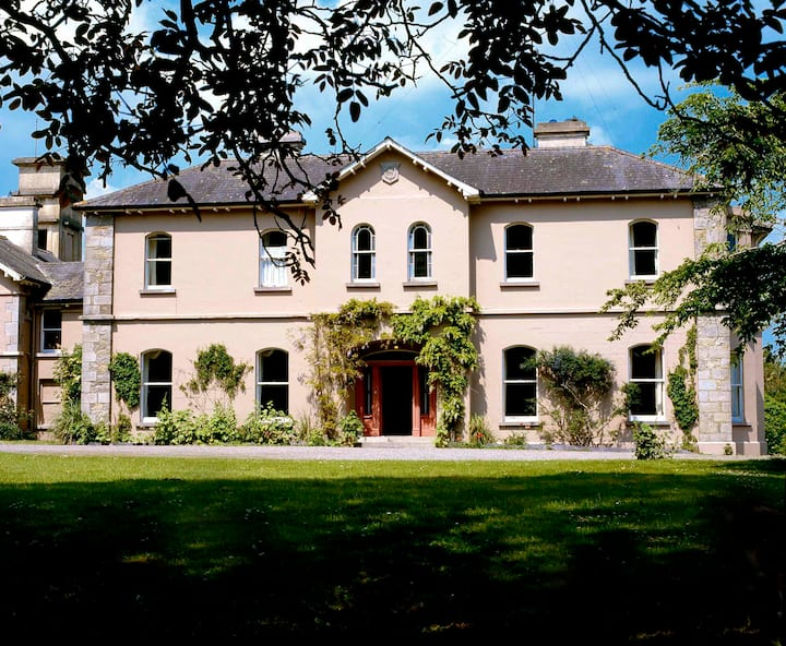 Historic Family House overlooking Newgrange