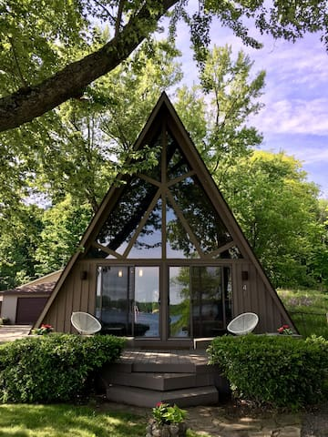 A Retro A-Frame Cottage on Fine Lake