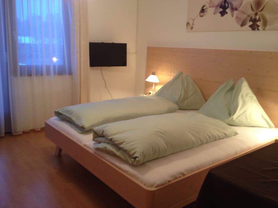 2. Schlafzimmer für 3 Personen