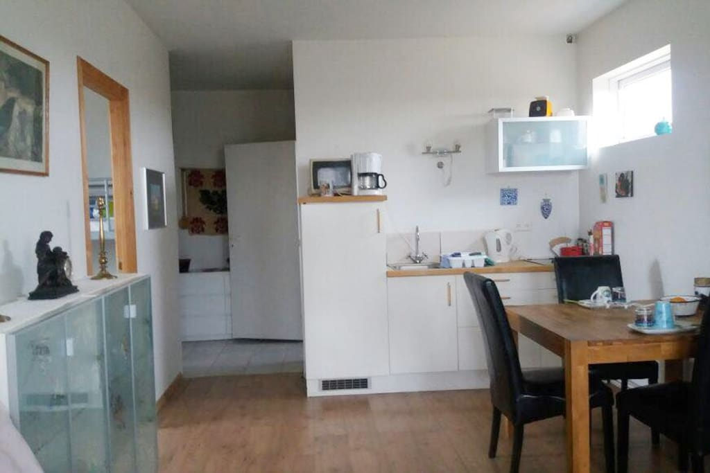 Full equipped Kitchen and Table