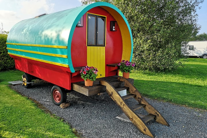 Ruby's Gypsy Caravan, WiFi, King sized bed