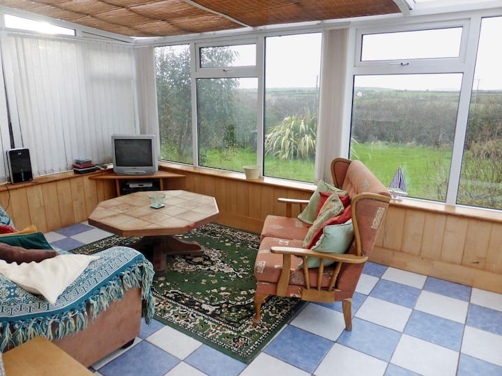 Coast Road Retreat (W32336)