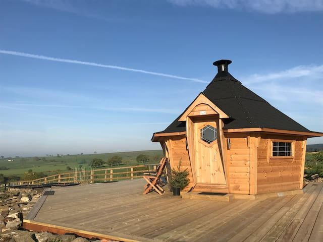 Glamping & Barbecue Cabin at Moorside Farmhouse