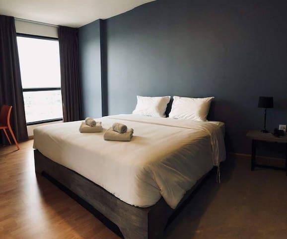 ⭐Navy Shades Hotel 45BR Sleeps 90 w/ Pool n/ Beach