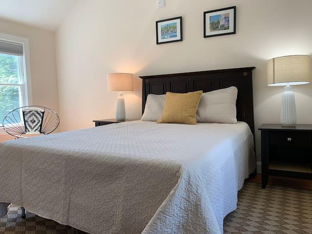 Second floor, queen size bedroom with closet.