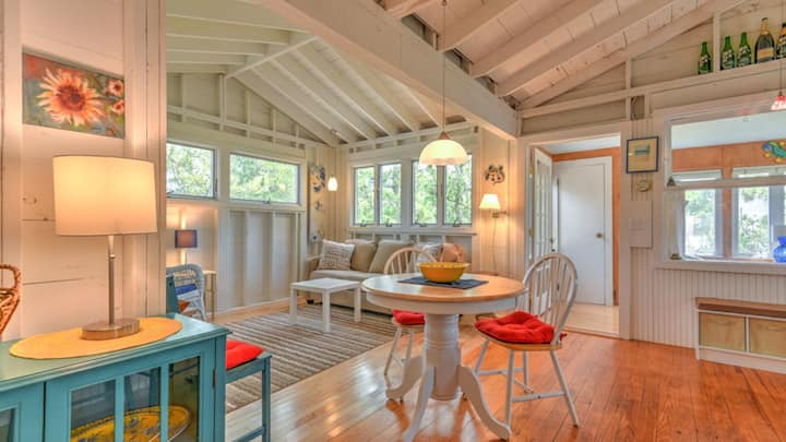New Listing: Cozy Seaside Cottage on Famed Dune Road, Steps to the Beach
