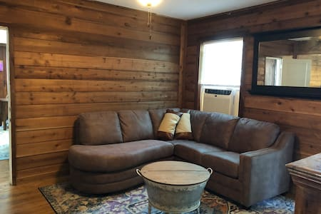 Lake Santa Fe Cottage #5b 1BR/1BA/Kitchen Sleeps 3