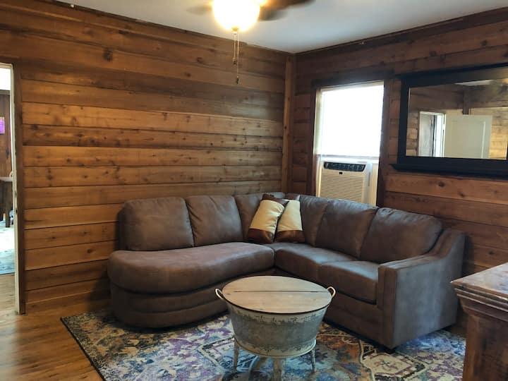 Lake Santa Fe Cottage #5b 1BR/1BA/Kitchen Sleeps 3