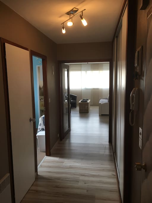 spacious entry with plentiful closet space