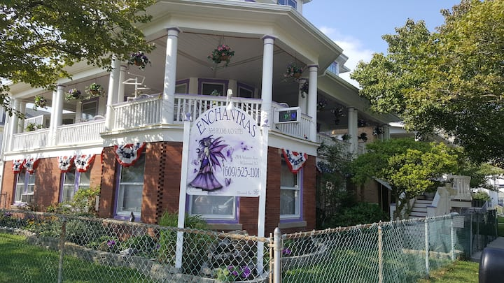 Enchantras Bed and Breakfast
