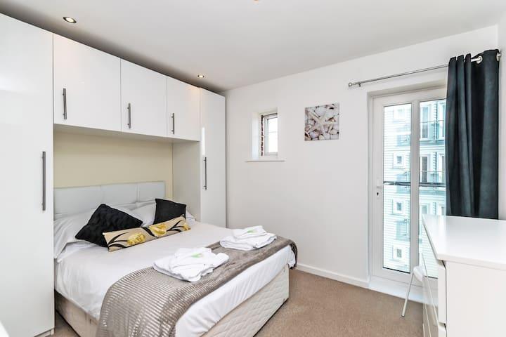 Residential Estates - 1 Bed apart