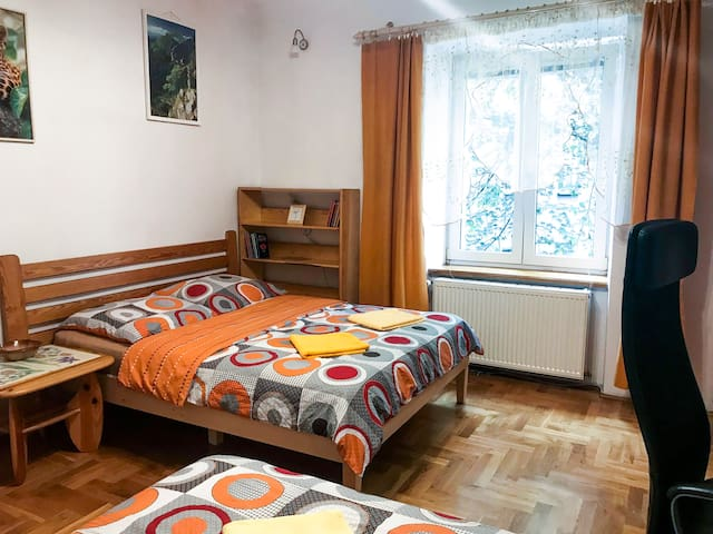 Sunny apartment. 5 minutes walk from Main Sqare.