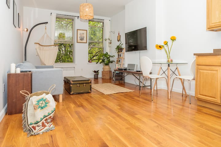 Huge bohemian loft apartment with garden vibes