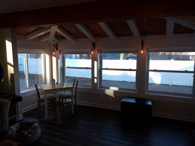Modern Rustic Little Lake House, Newly Renovated - Greenwood Lake - Σπίτι