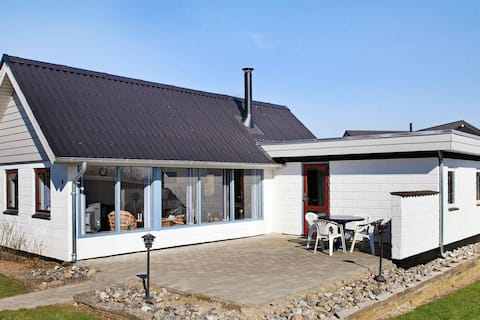 Vintage Holiday Home in Hejls near Sea
