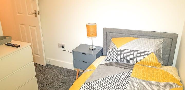 Sleek Single Room for students in Birmingham