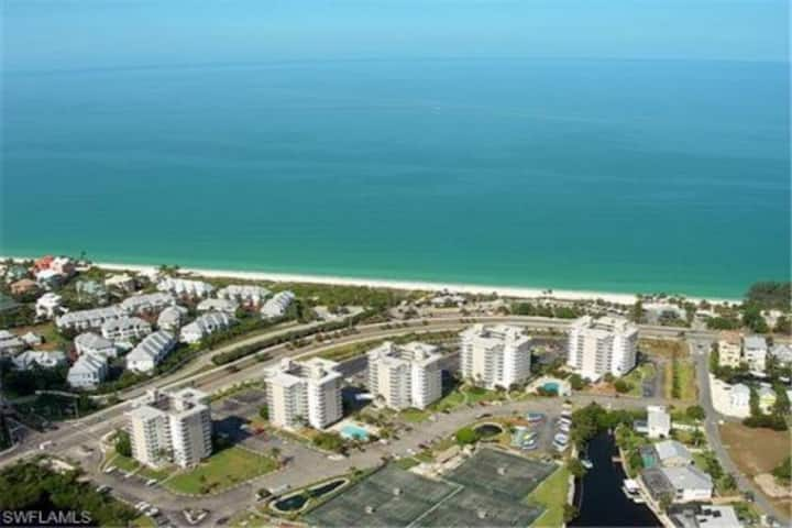 Bonita Beach and Tennis 10th floor condo