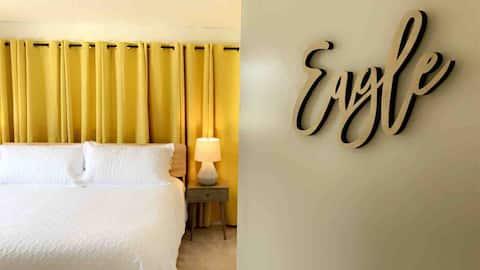 Clean & Bright 4-Bed 2-Bath Home on #1 Fairway