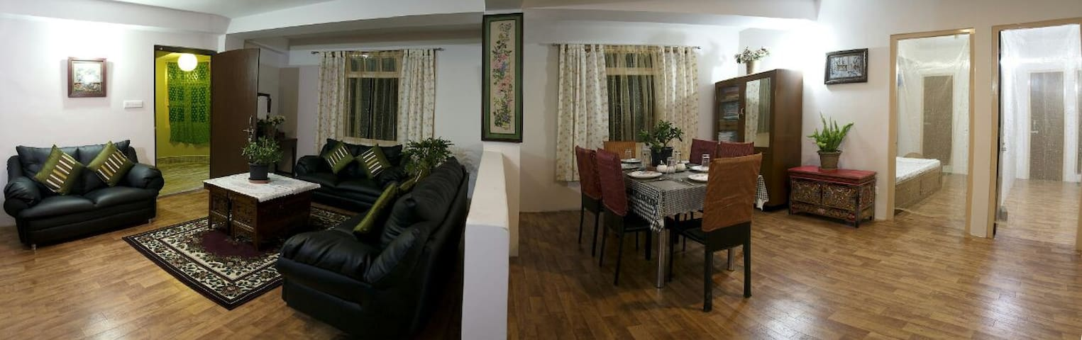 Mandarin Hills Homestay- Three Apartments