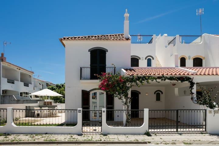 Altura Family House
