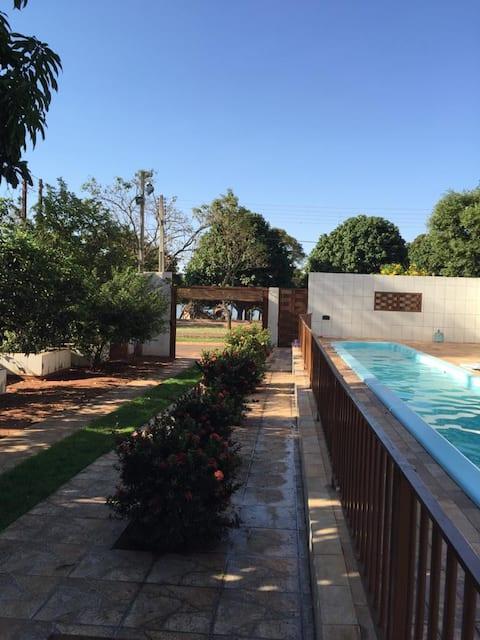 Linda Casa/Rancho- Interior de S.P.- frente a RIO